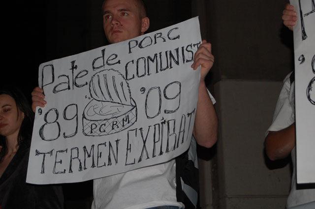 Comunist = Porc ucigas