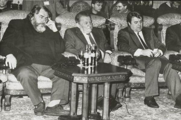 De la stanga: Adrian Paunescu, Ilie Verdet, Vadim Tudor