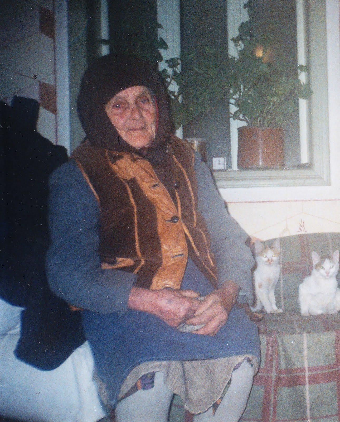 Condrea Aurica, bunica mea