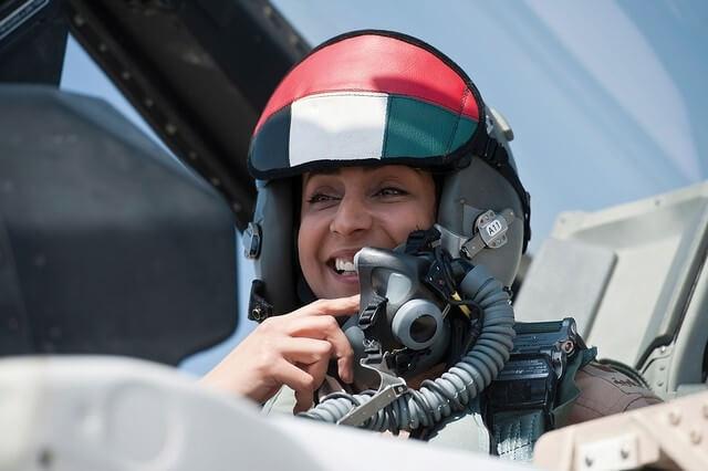 Mariam Al-Mansouri, femeie pilot