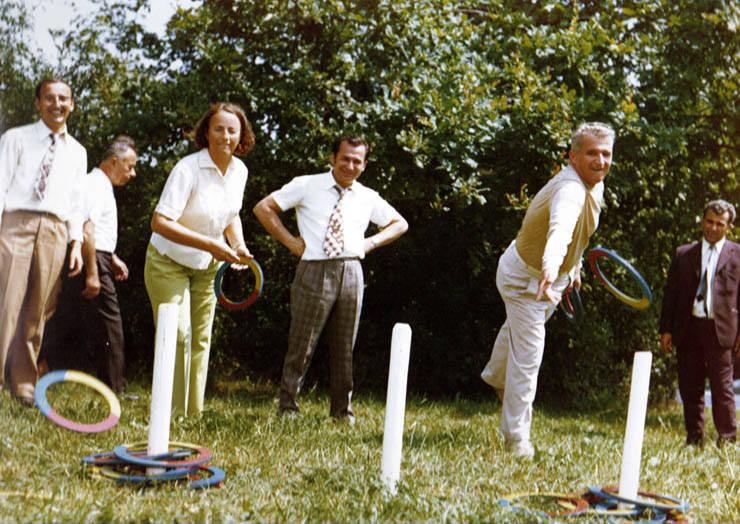 De la stanga: Elena Ceausescu, Ion Iliescu, Nicolae Ceausescu